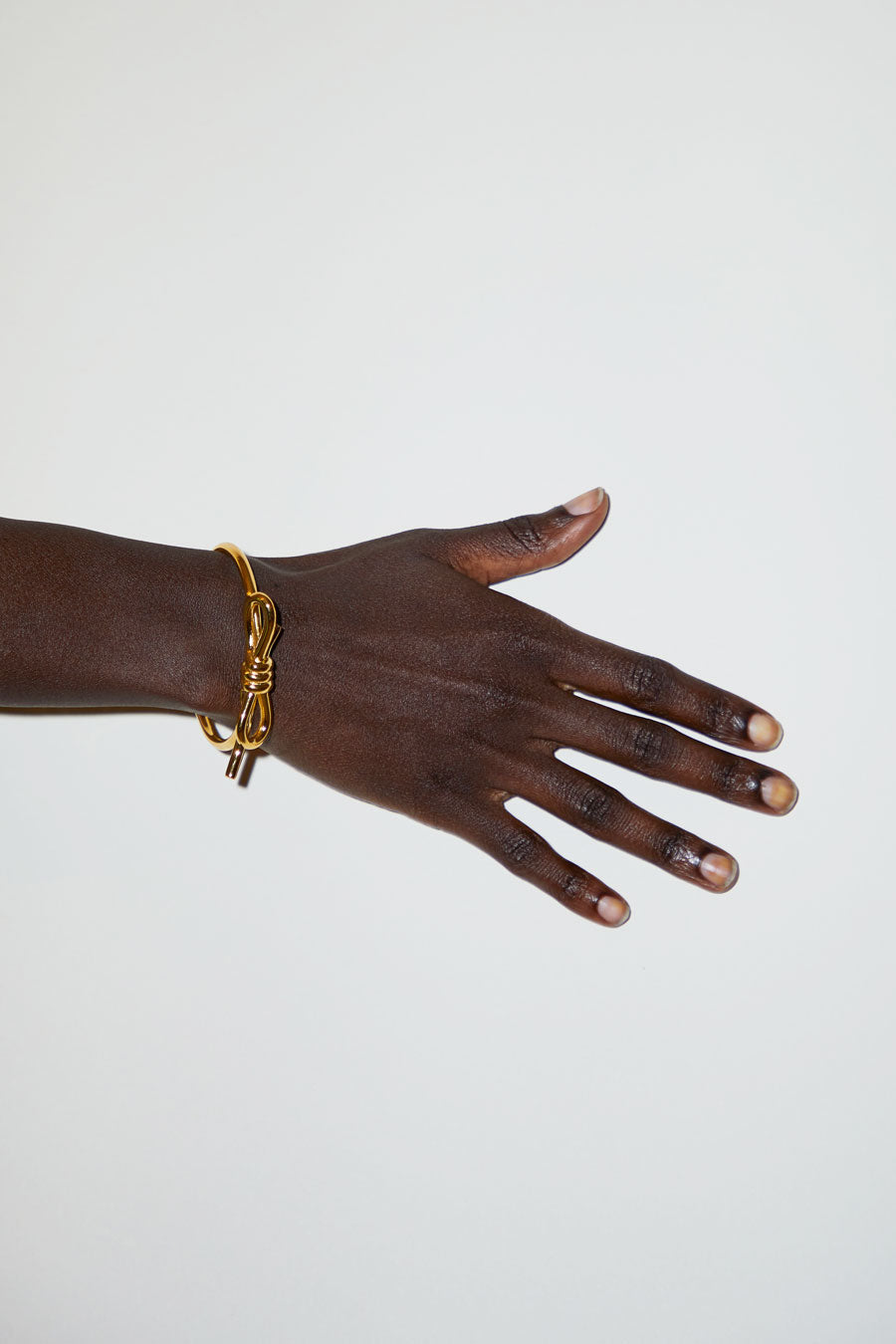 Schield Loop Bracelet in Gold