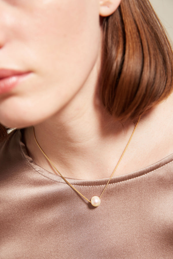 Vibe Harslof Iris Necklace with Single Pearl, Gold Plated Silver