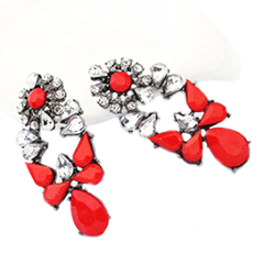 Ladies Crystal Flower Earrings by Pesci Moda