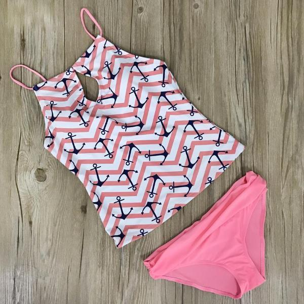 Beach Essential Printed Tankini Bathing Suit by Pesci Moda