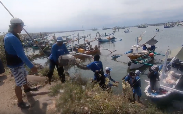 4ocean Bali Unloads Thousands of Pounds of Ocean Plastic
