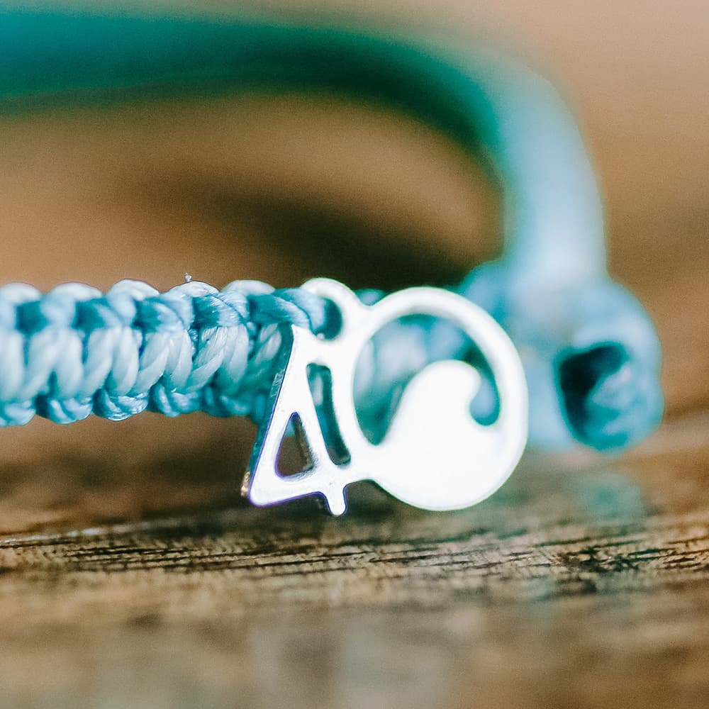 4ocean Manta Ray Braided Bracelet Closeup