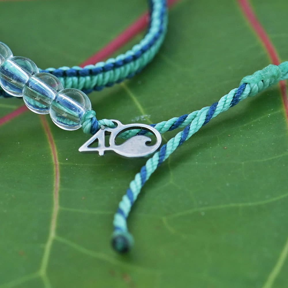 Closeup of the 4ocean Stingray Limited Edition Beaded Bracelet