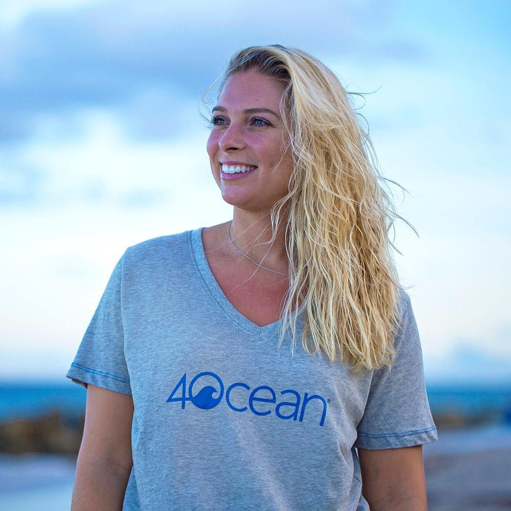 Grey Women's 4ocean Logo V-Neck T-Shirt - On Woman