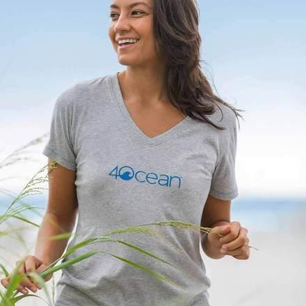 4ocean Women's V-Neck T-Shirt - Distressed Logo