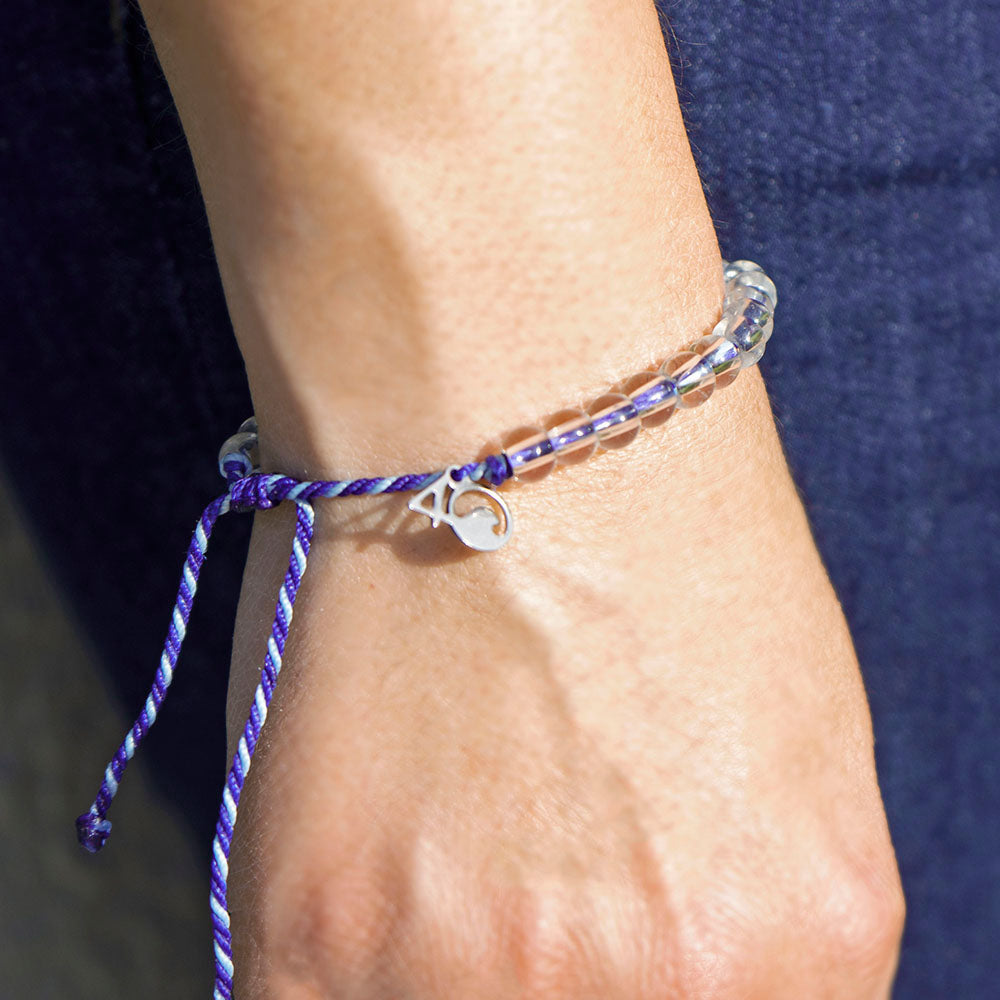 The 4ocean Harp Seal Beaded Bracelet on a wrist