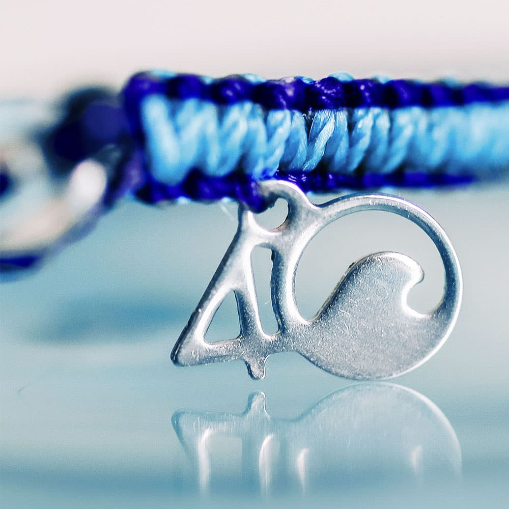 A Closeup of the The 4ocean Harp Seal Braided Bracelet