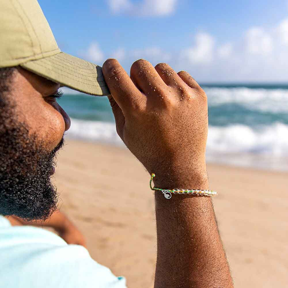 A Person Wearing the 4ocean Sea Star Starfish Beaded Bracelet
