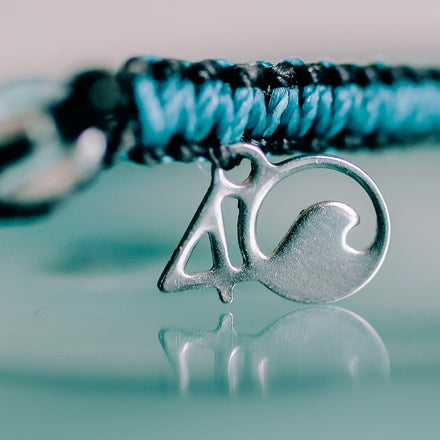 4ocean Sea Otter Braided Bracelet Closeup