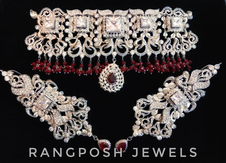 Grand AARIYA choker set