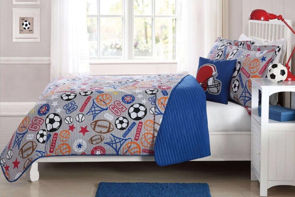 SUPERSTAR FOOTBALL, SOCCER TWIN SIZE QUILT WITH PILLOW SHAM AND DECORATOR PILLOW
