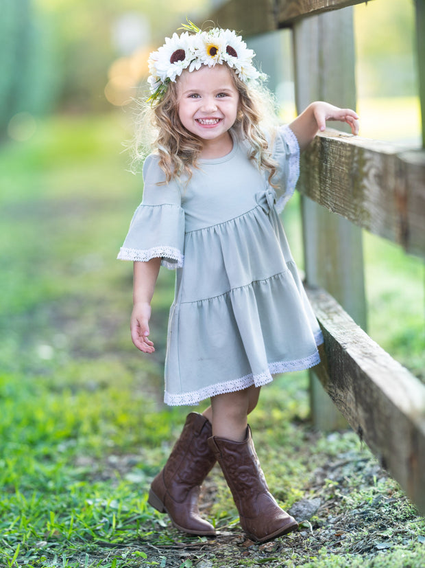 girls spring The grey spring dress has a cute white little hem and bow 2T-10Y