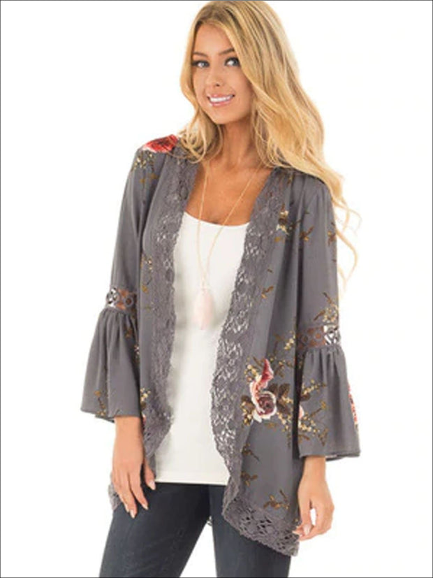 Womens Flare Sleeve Floral Kimono With Embroidery Detail - Grey / S - Womens Outerwear