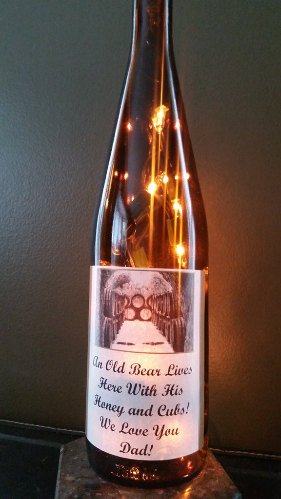 Old Bear Lives Here With His Honey and Cubs Wine Lamp