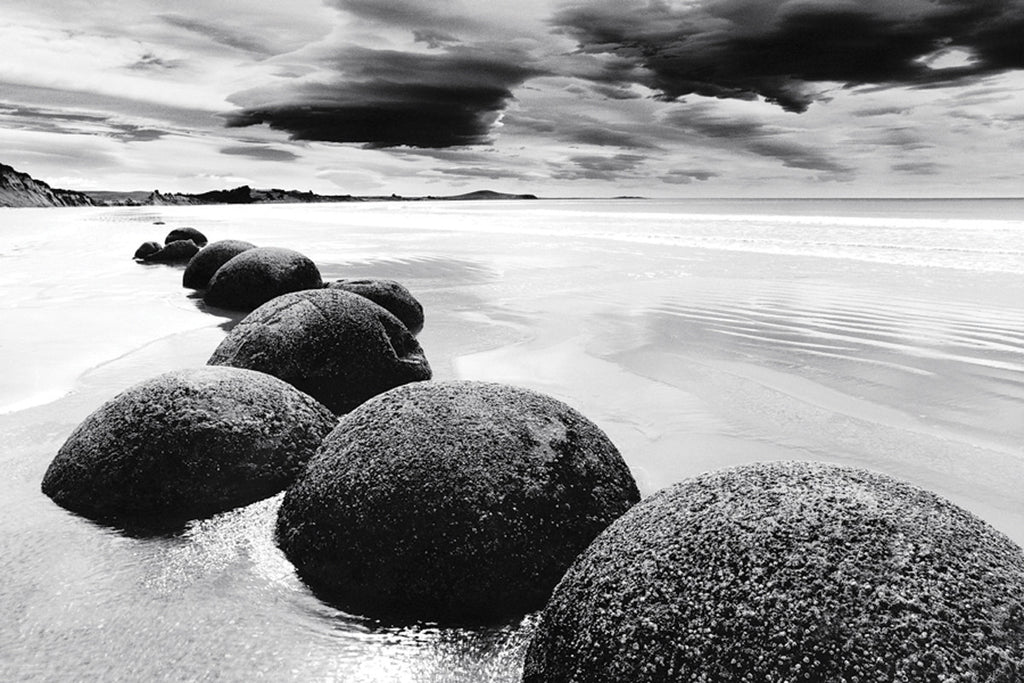 NY835 - Boulders on the Beach, 24 x 36