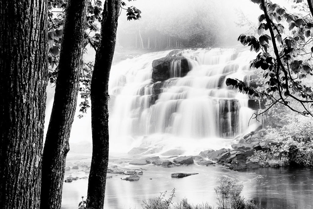 NY836 - Waterfall Lake, 24 x 36