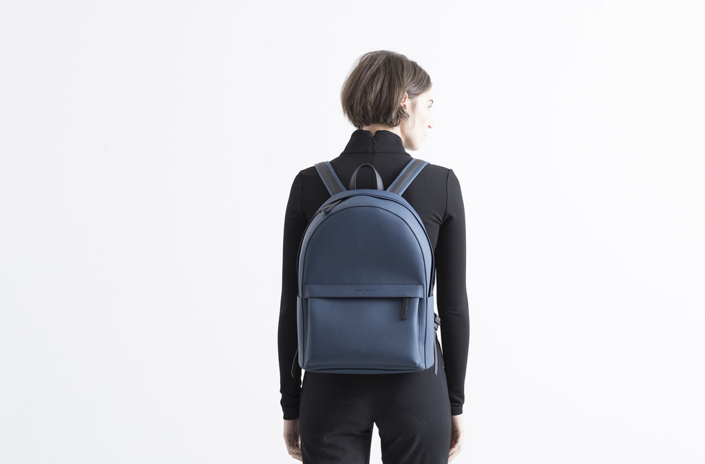 The Backpack in Technik-Leather in Denim and Black