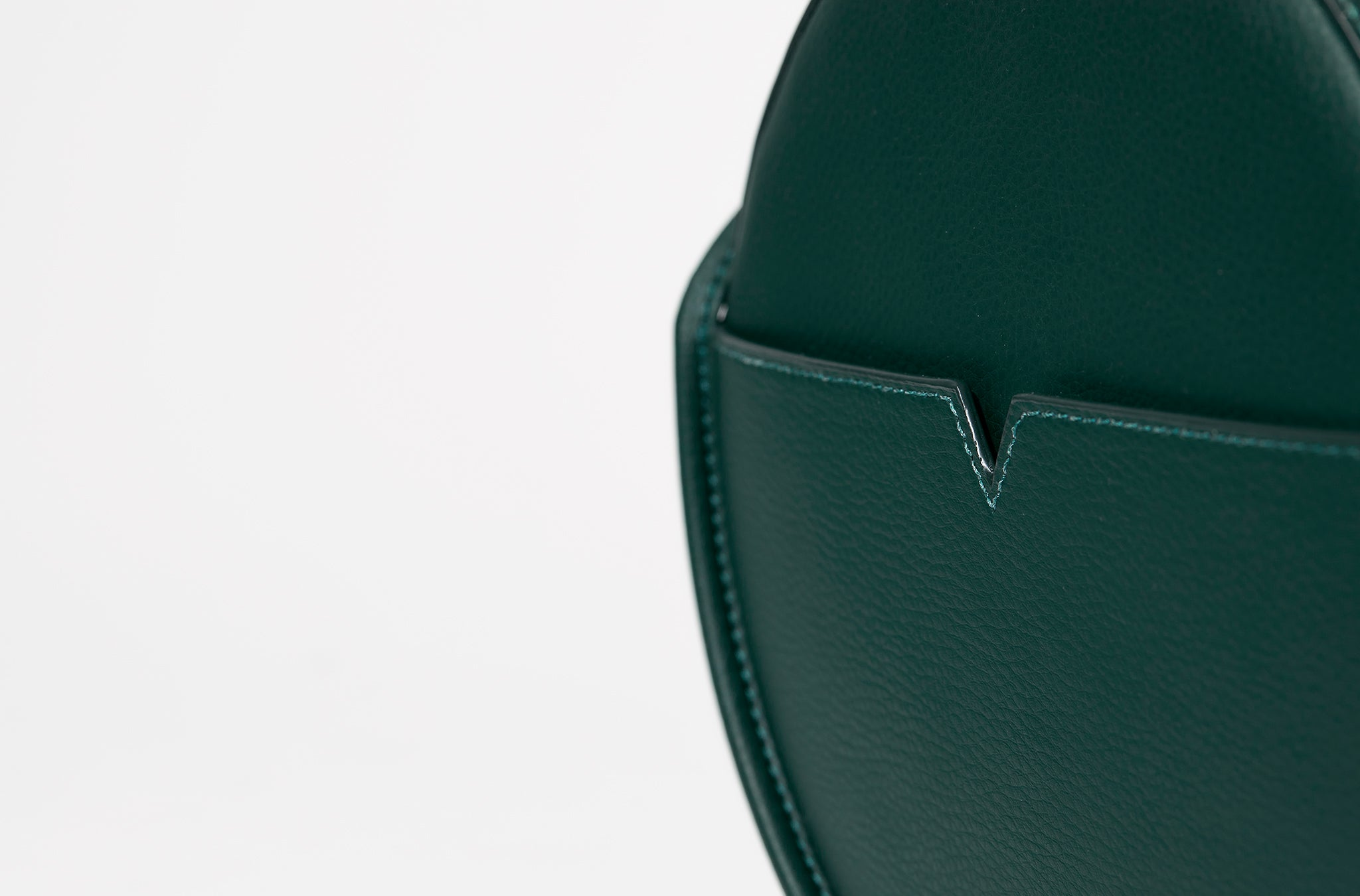 The Circle Crossbody in Banbū Leather in Forest