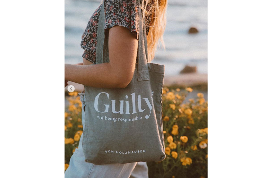 The Guilty Tote in Organic Cotton in Taupe