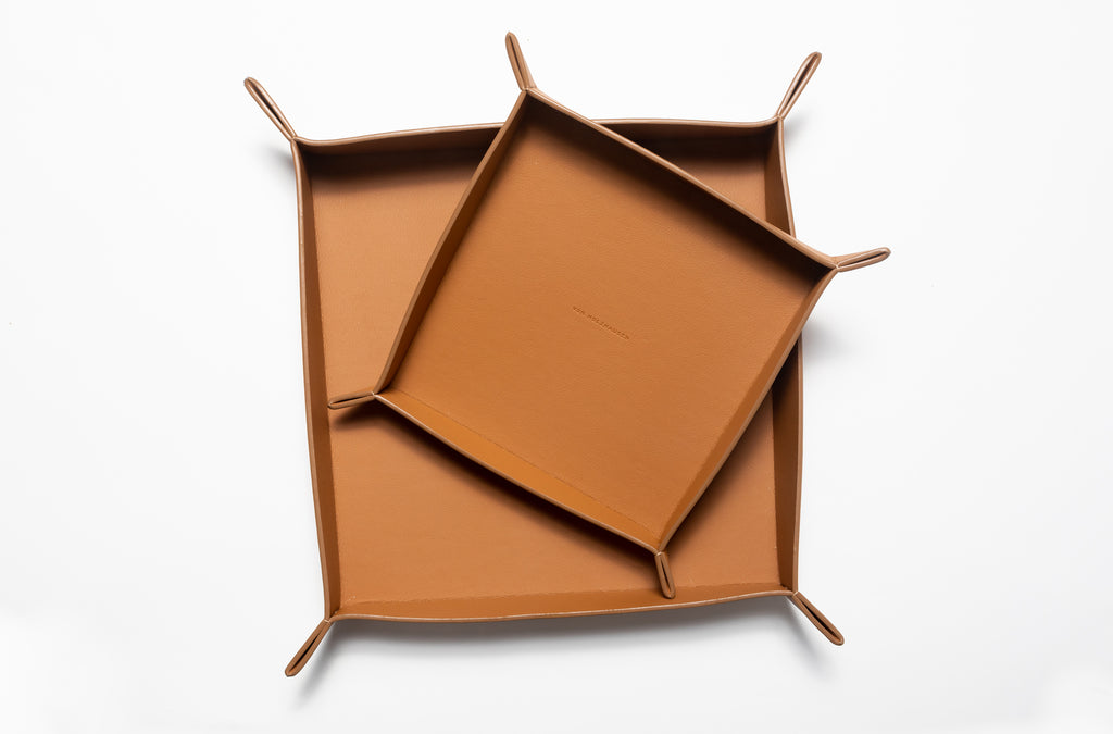 The Large Tray in Technik-Leather in Caramel