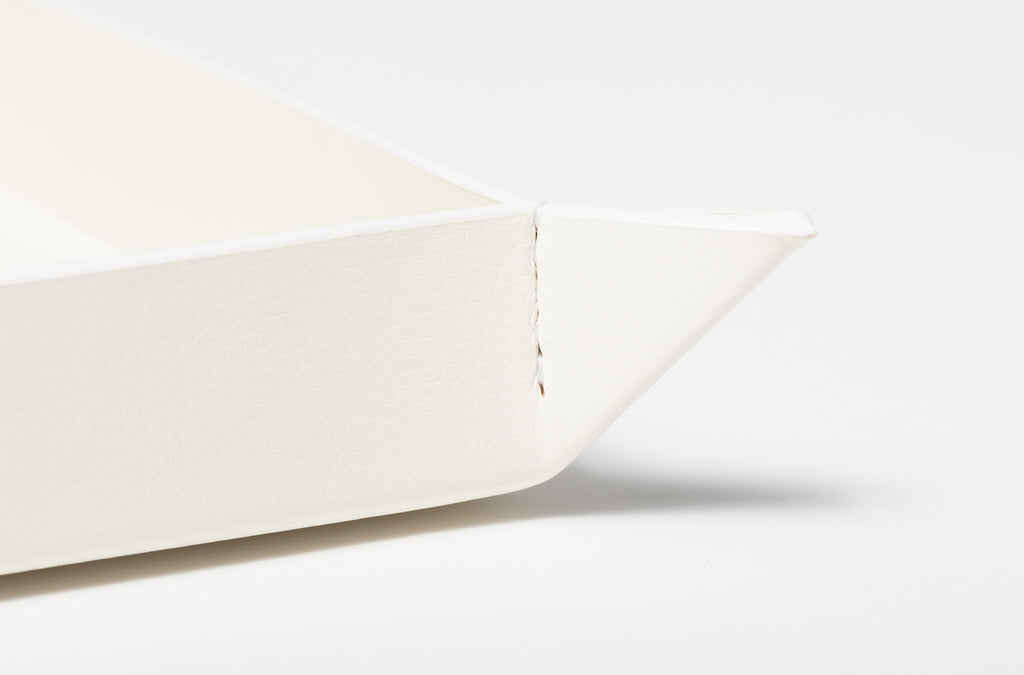 The Small Tray in Technik-Leather in White