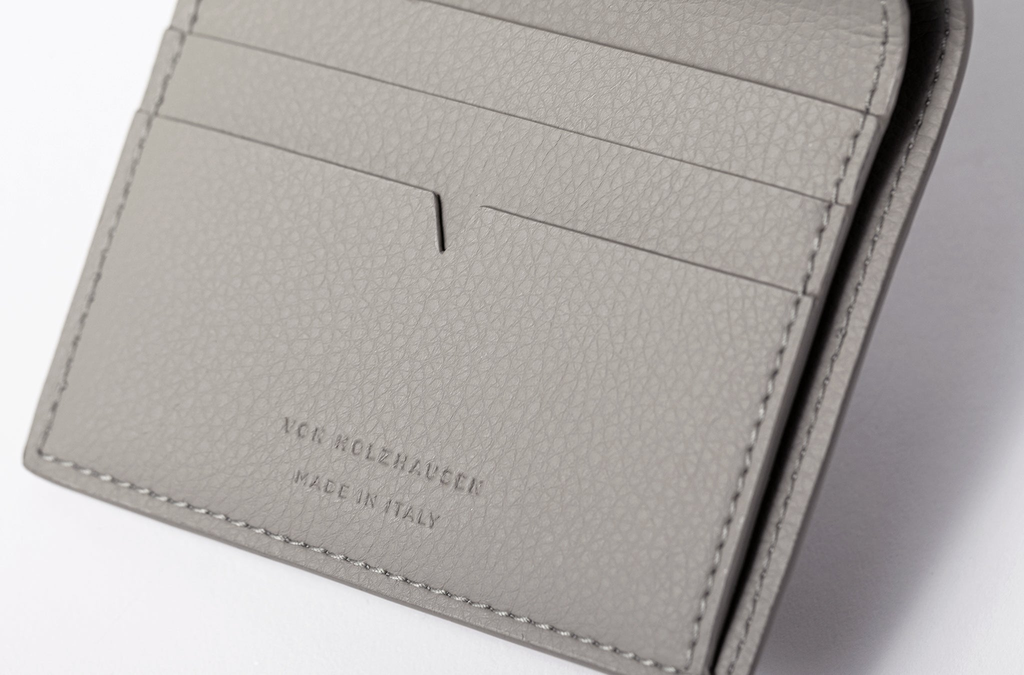 The Fold Wallet in Technik-Leather in Stone