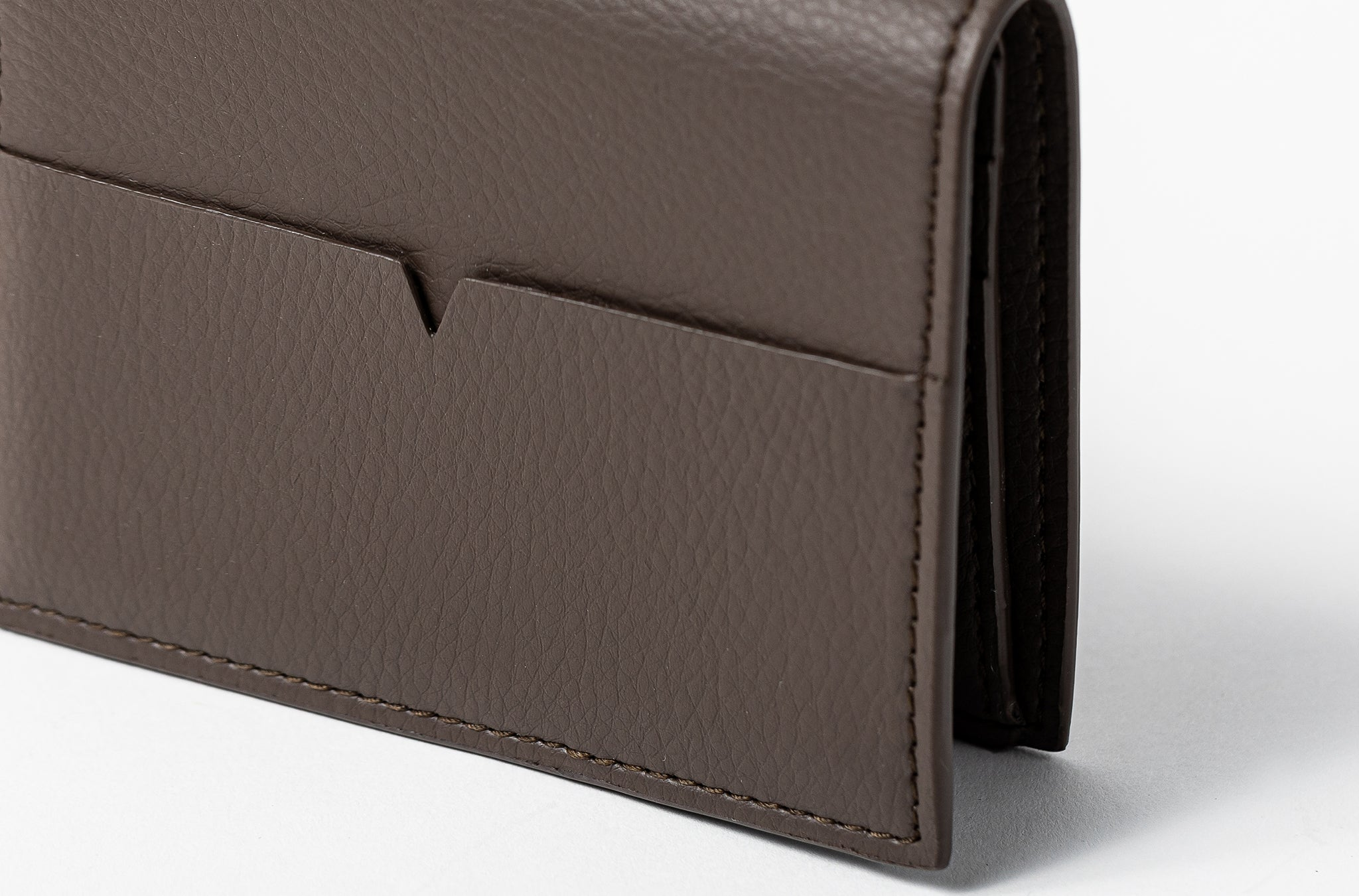 The Fold Wallet in Technik-Leather in Taupe