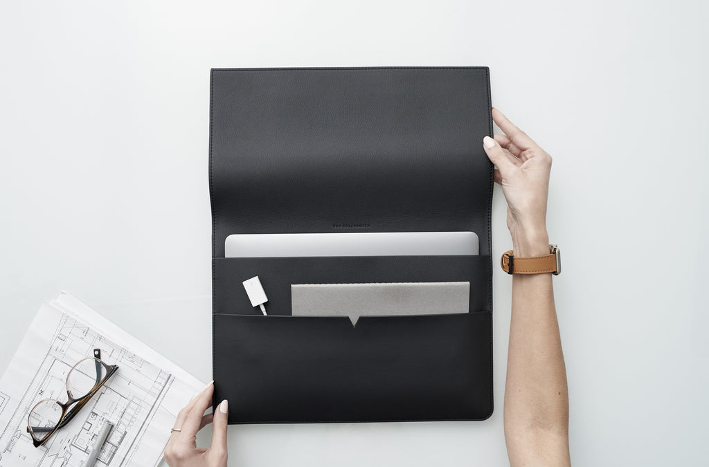 The MacBook Portfolio 13-inch in Technik-Leather in Black