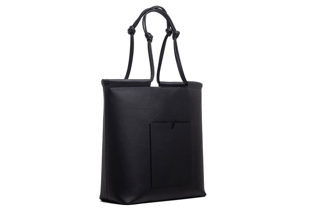 The Market Tote in Technik-Leather in Black