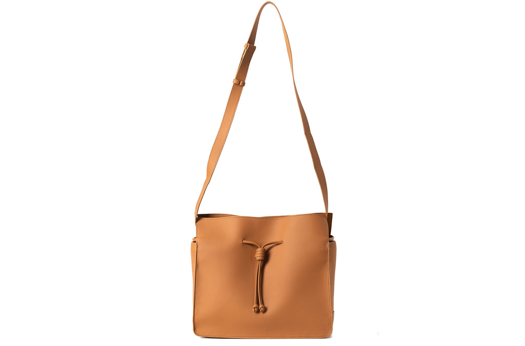 The Medium Shopper in Technik-Leather in Caramel
