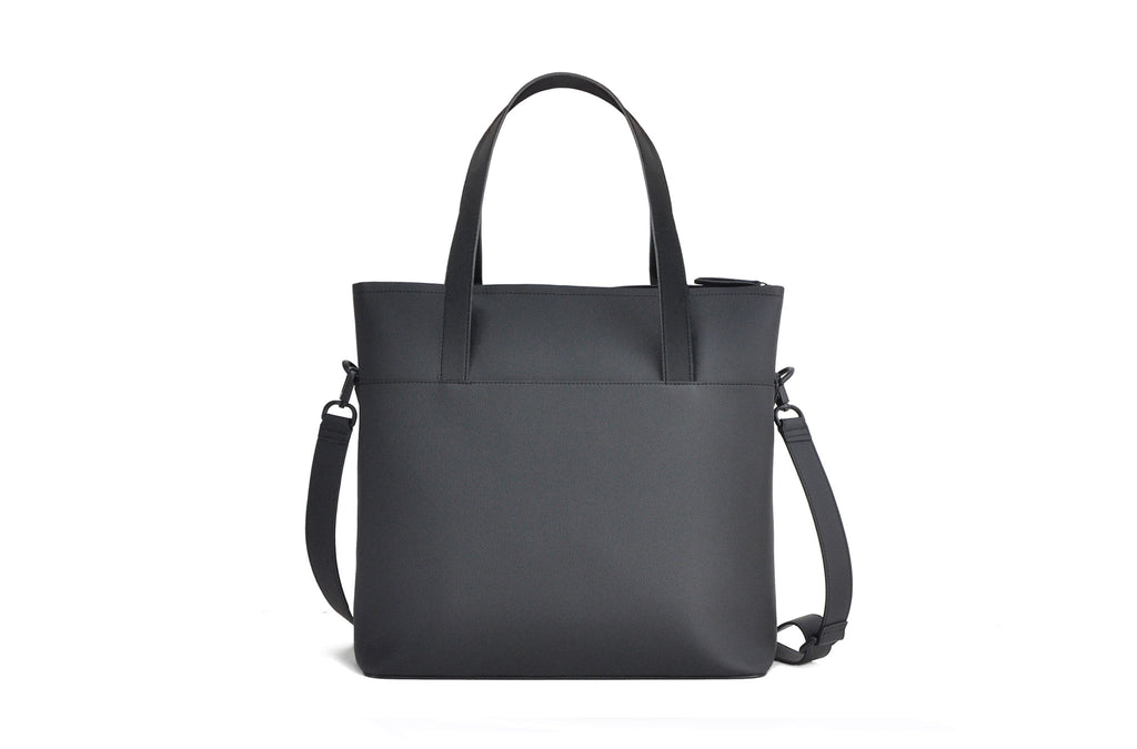 The Zipper Tote in Technik-Leather in Black