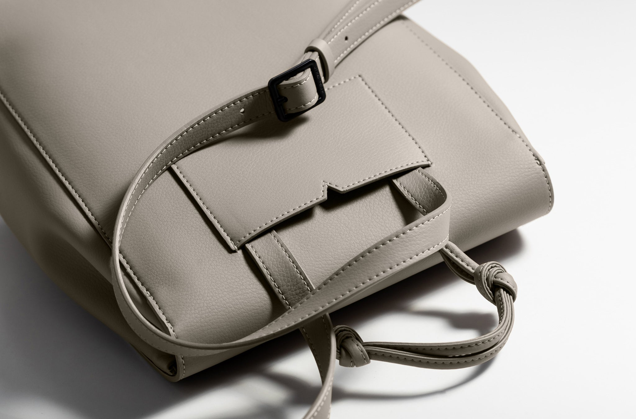 The Mini Backpack in Technik-Leather in Stone