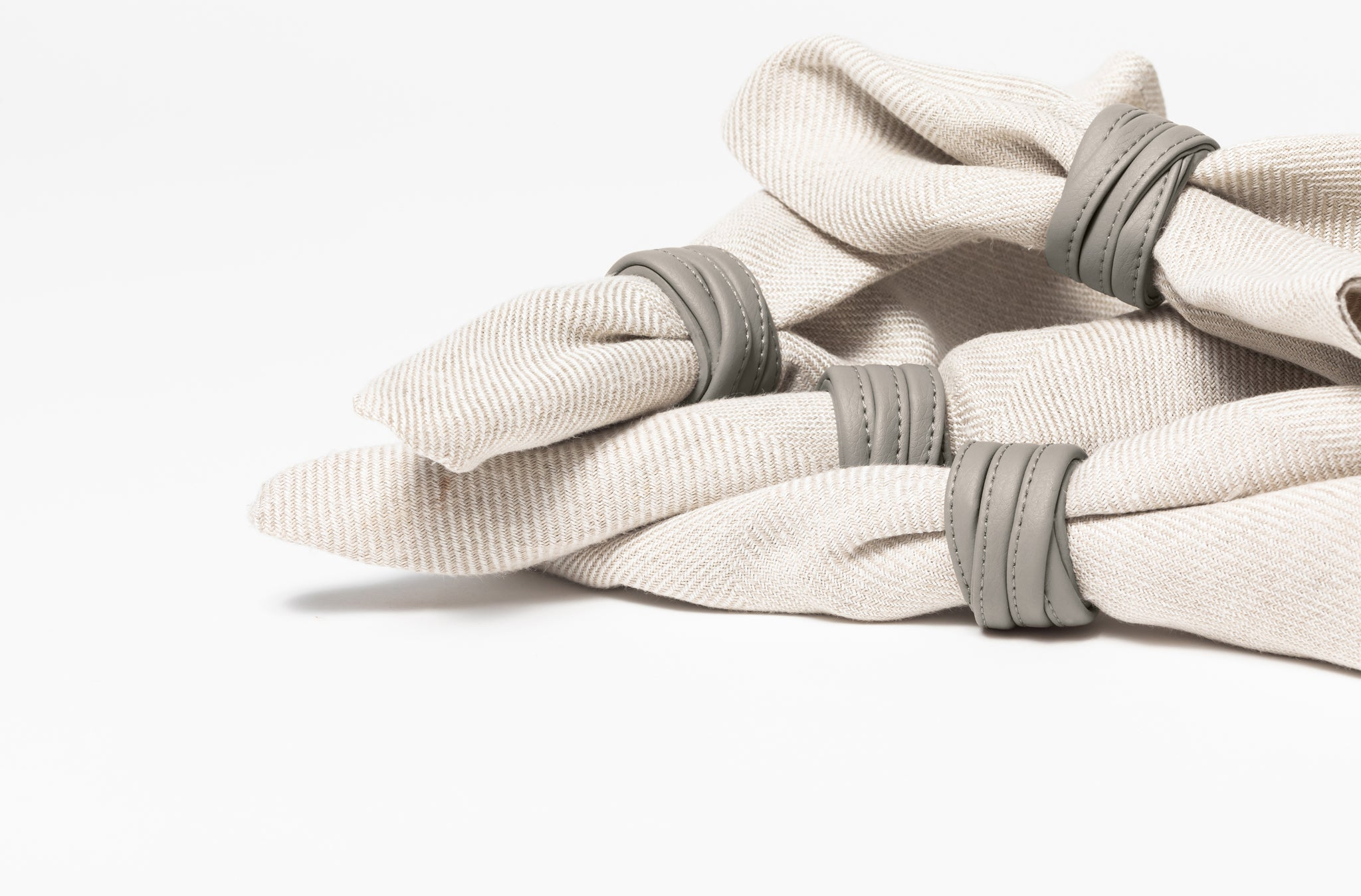 The Napkin Rings in Technik-Leather in Stone