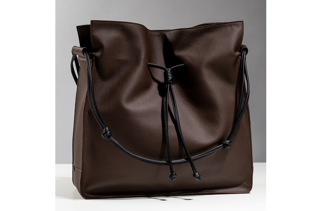 The Large Shopper in Technik-Leather in Taupe & Black