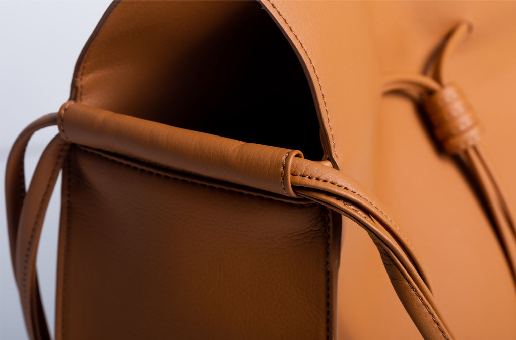 The Large Shopper in Technik-Leather in Caramel
