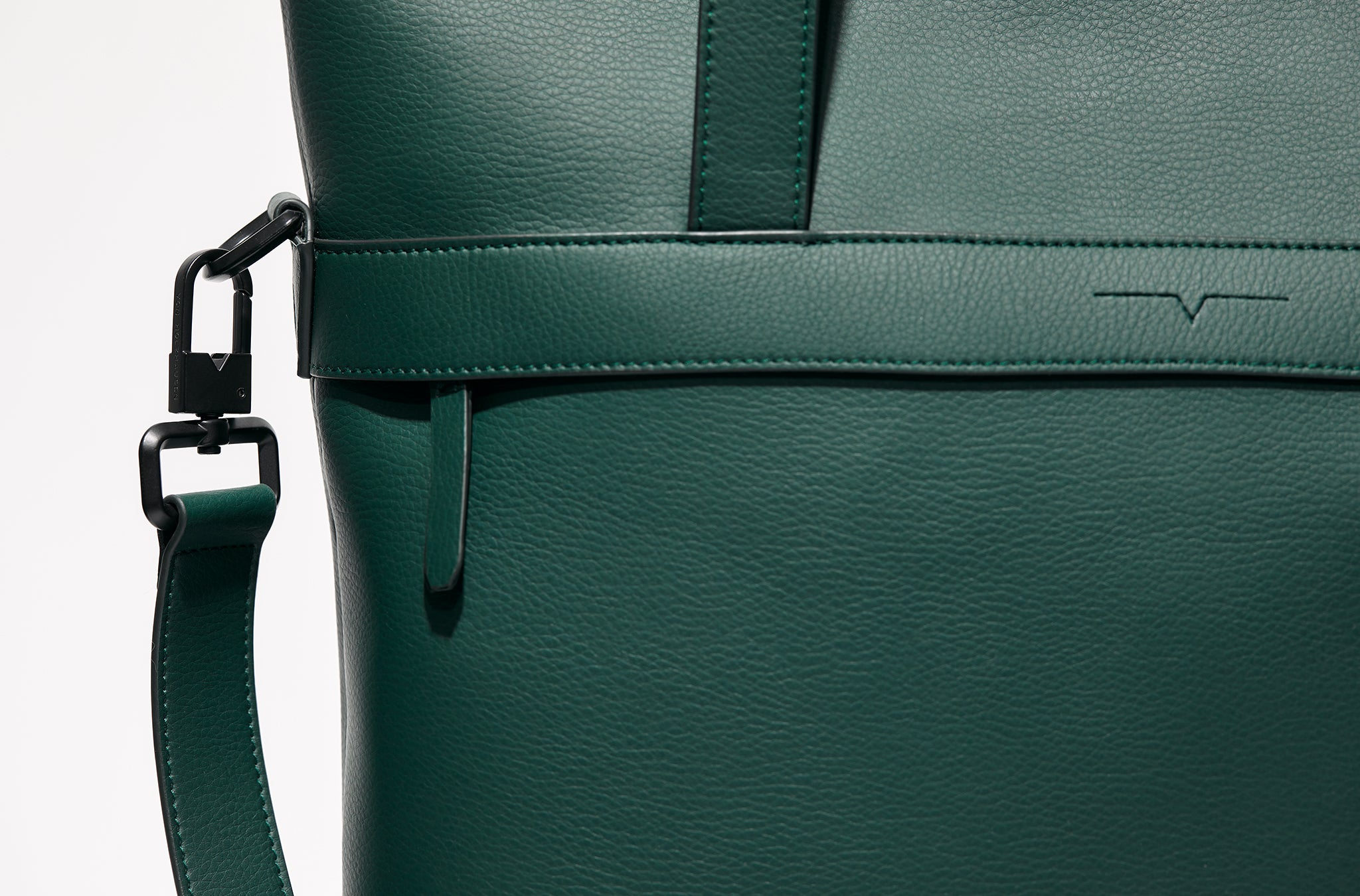 The Zipper Tote in Technik-Leather in Forest Green
