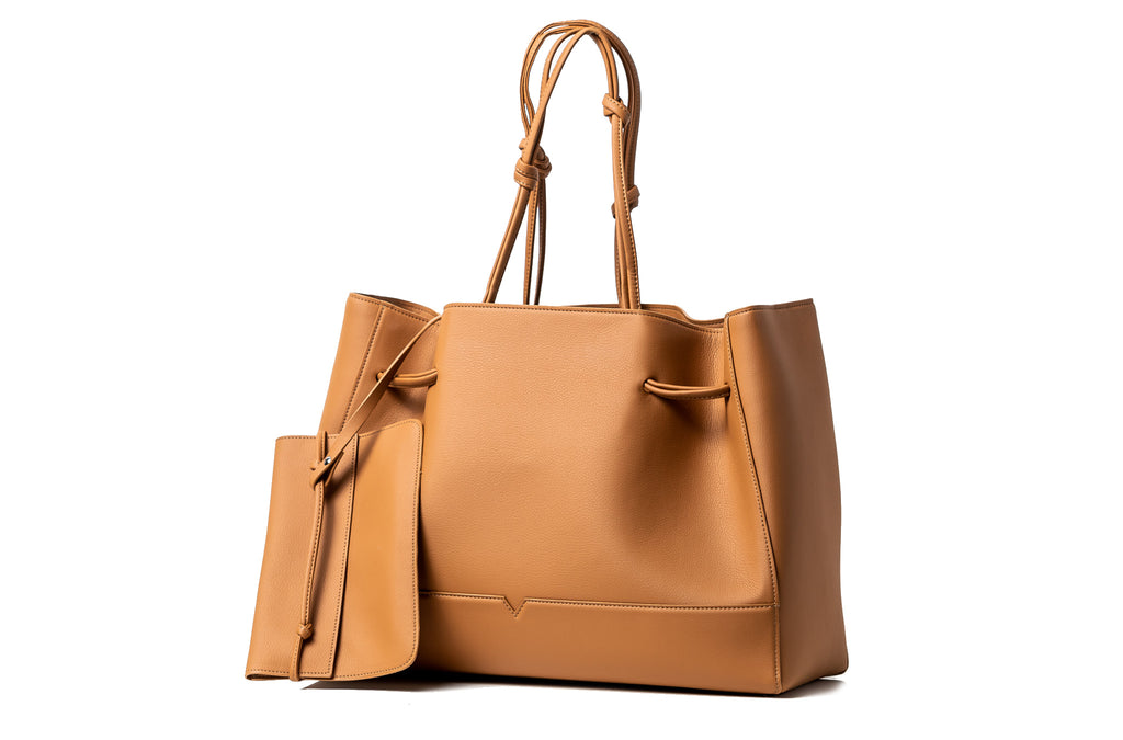The Tote in Technik-Leather in Caramel