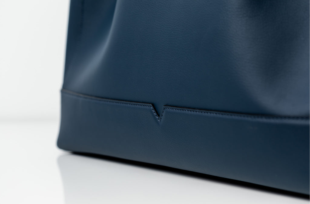 The Tote in Technik-Leather in Denim and Black