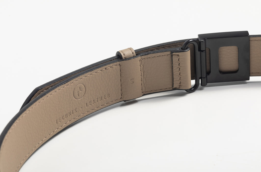 The Belt in Technik-Leather in Stone