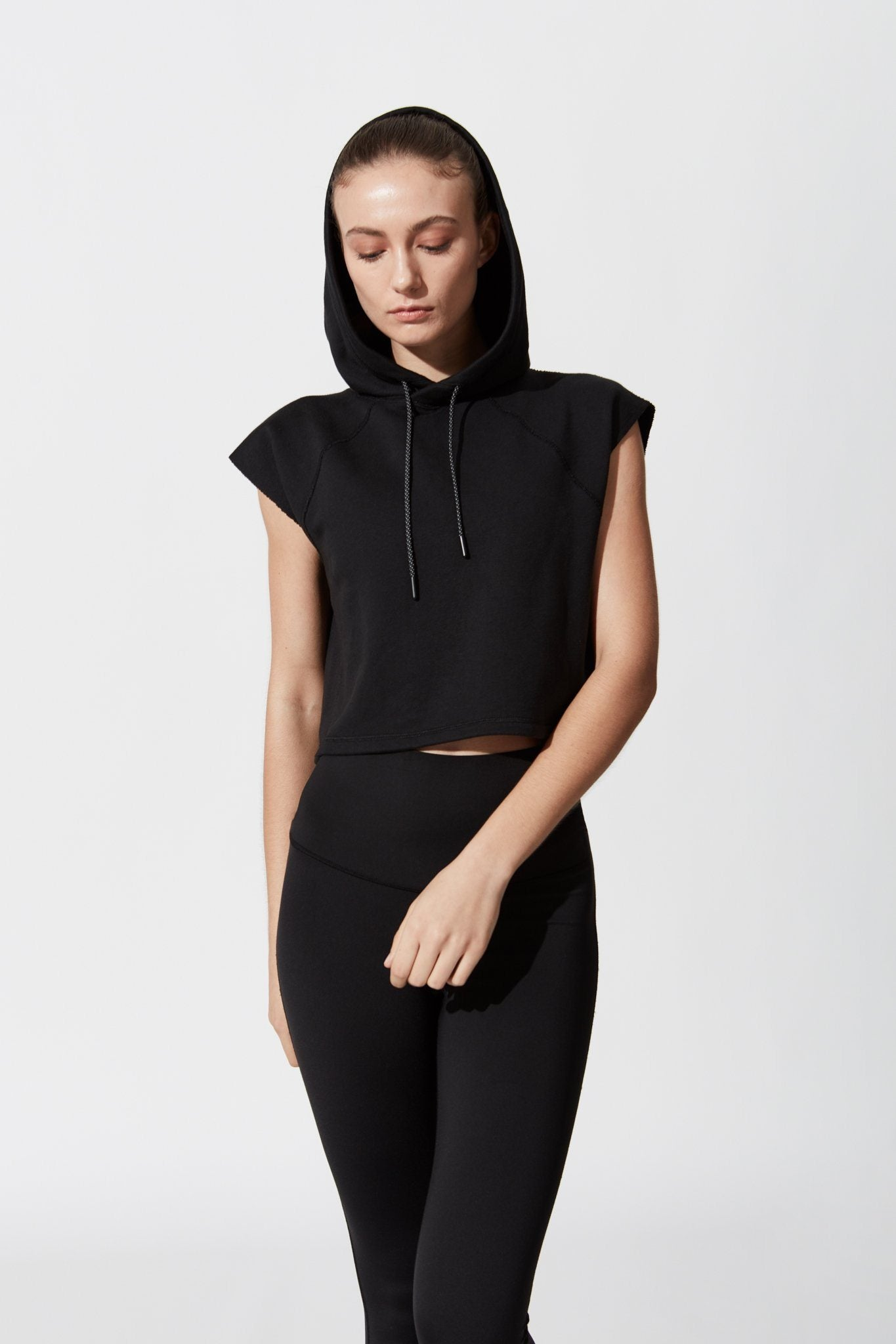 PACE CROPPED HOODIE