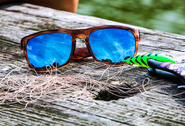 Blue Otter Polarized Sunglasses Blue Logo