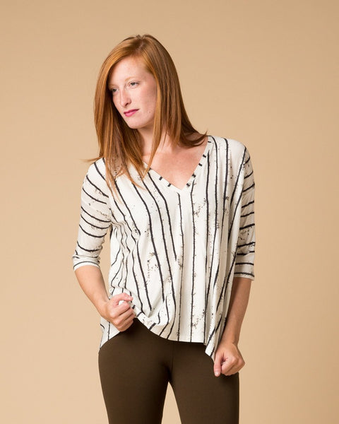 Short-Sleeve Top - Suki + Solaine Ryder Print White Striped Dolman Tee