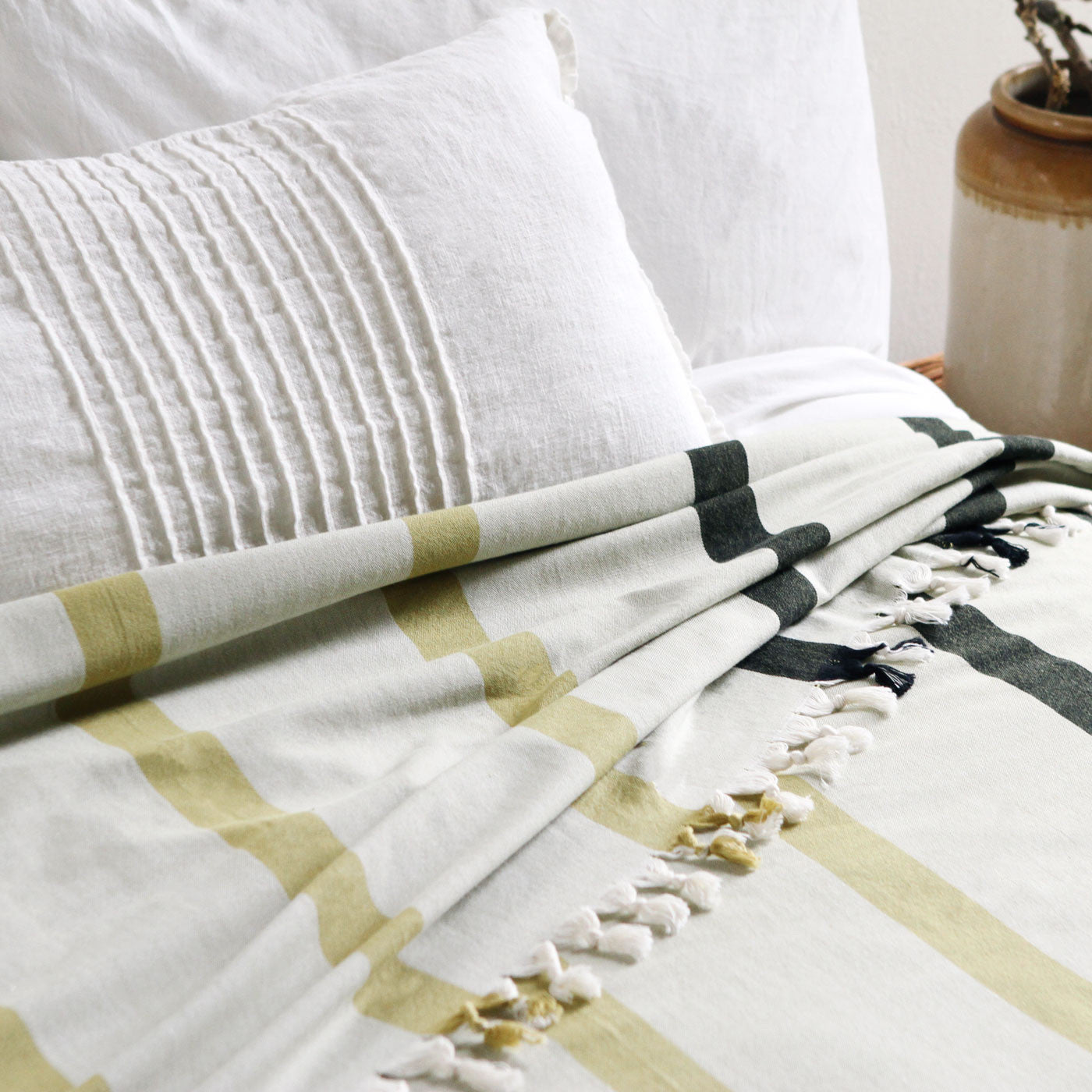 Khala Wide-striped Bedcover