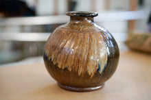 Load image into Gallery viewer, Brown Vase - Kotuku Pottery.