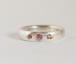 Adele Stewart Maker, Handmade in New Zealand, buy NZ made, Shop local, Sapphire, Ring, Peach Sapphire, Garnet, Gemstones,