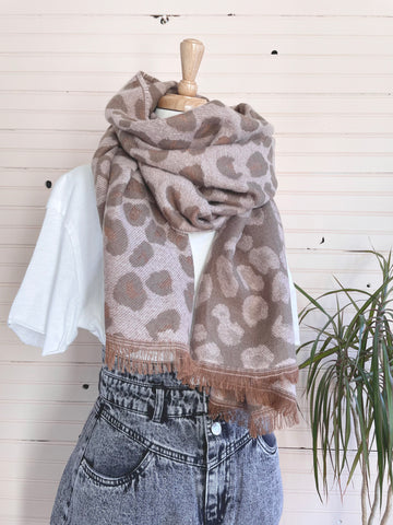 Leopard Reversible Scarf in Pink