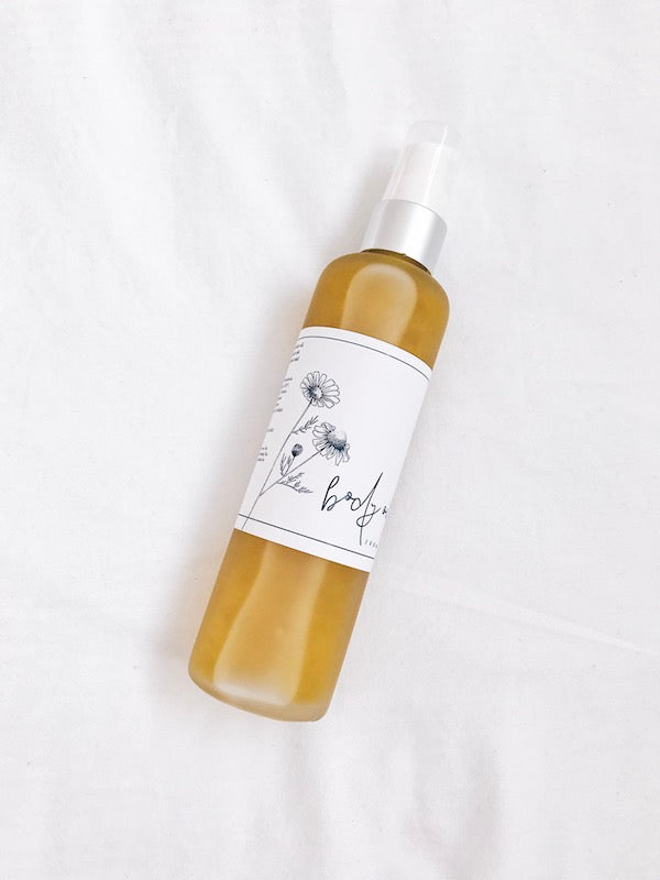 Soothe, replenish, rehydrate + repair skin, and reduce the appearance of stretch marks and cellulite, with this luxurious body oil. Featuring mica for an added glow, and rose quartz to promote a true sense of self-love.