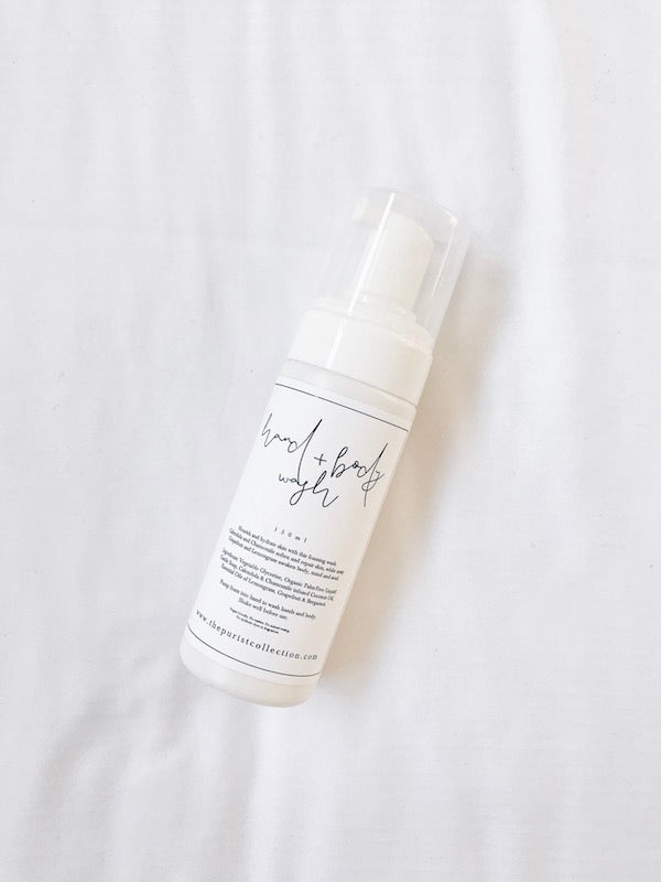 Cleanse + nourish skin with this rehydrating, non-drying foaming wash.