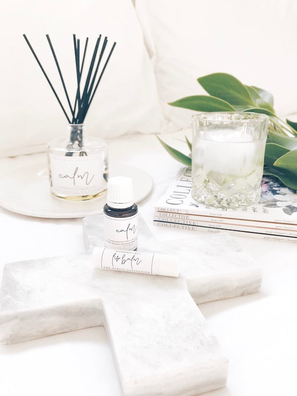 A soothing blend of pure essential oils to inspire a deep sense of calm + inner peace.