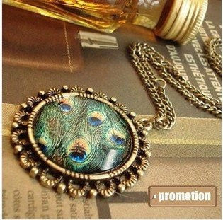 Necklace - Peacock Rhinestone Pendant Necklace